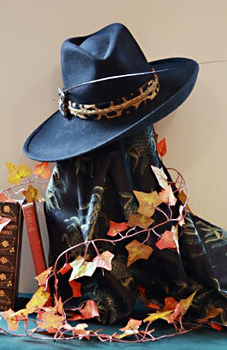 Tilted Trilby Black Felt Hat